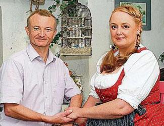 Bauer sucht Frau: Hühner-Bauer Jürgen hat keinen Bock auf Emanzen-Anja