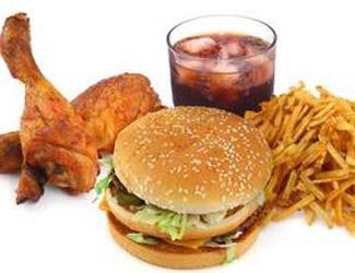 Kampf gegen Junk-Food – Steuer soll Dickmacher stoppen