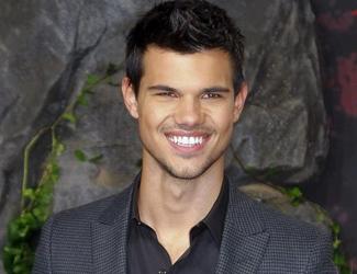 Twilight Co-Star Taylor Lautner: Was denkt er über die Affäre von Kristen Stewart ?