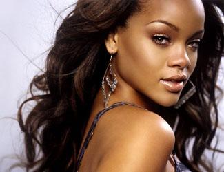 Chris Browns Mama: Rihanna soll Chris auf seiner Europa-Tour begleiten !
