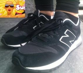 Trend Check | Schwarze Leggings mit Sportschuhen & Sneakersocken